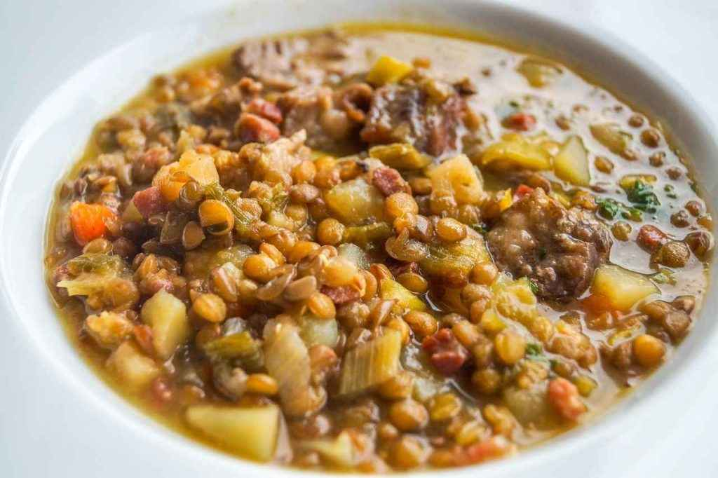 суп из чечевицы содержит много железа